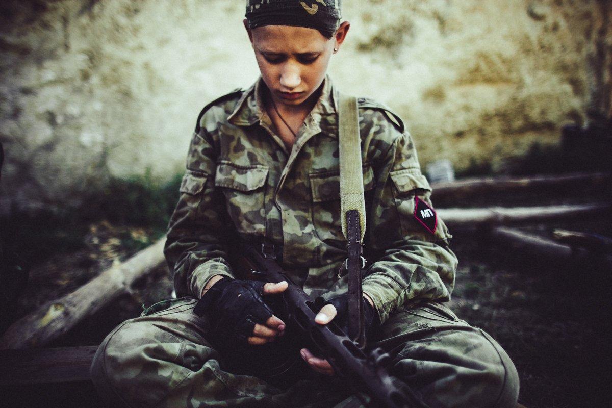 Um acampamento que treina garotos de 7 anos para serem defensores da pátria russa 07