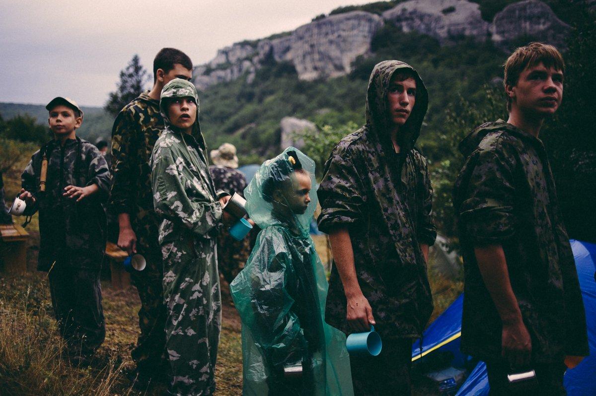 Um acampamento que treina garotos de 7 anos para serem defensores da pátria russa 09