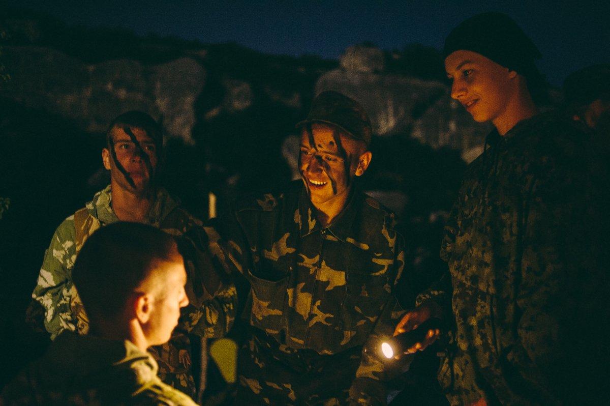 Um acampamento que treina garotos de 7 anos para serem defensores da pátria russa 10