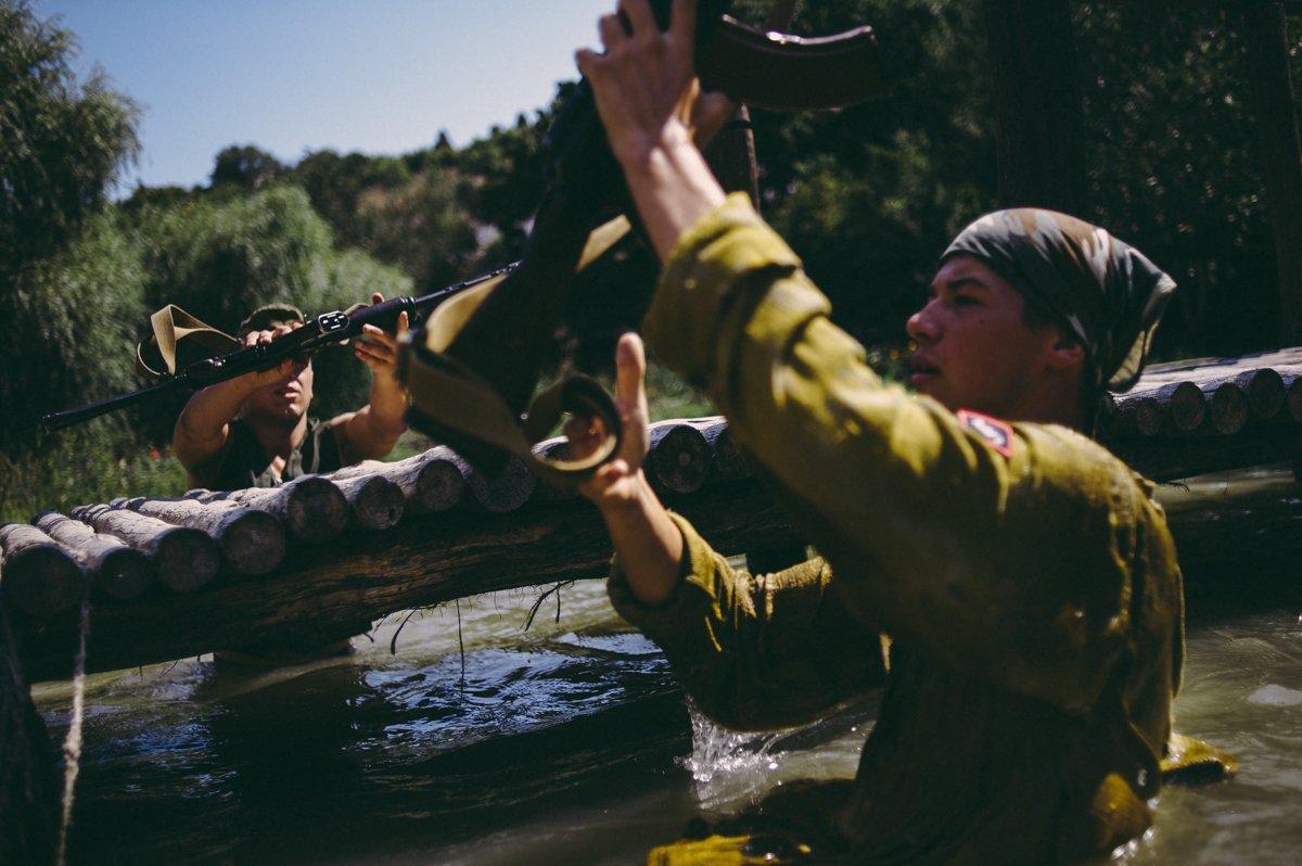 Um acampamento que treina garotos de 7 anos para serem defensores da pátria russa 17
