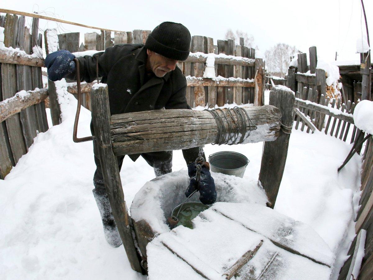 Mikhail Baburin é o último residente de Mikhailovka na Sibéria 04