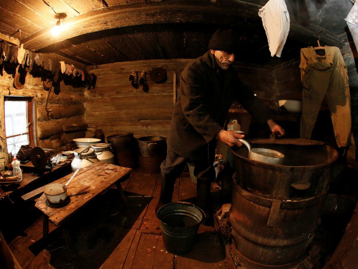 Mikhail Baburin é o último residente de Mikhailovka na Sibéria 13