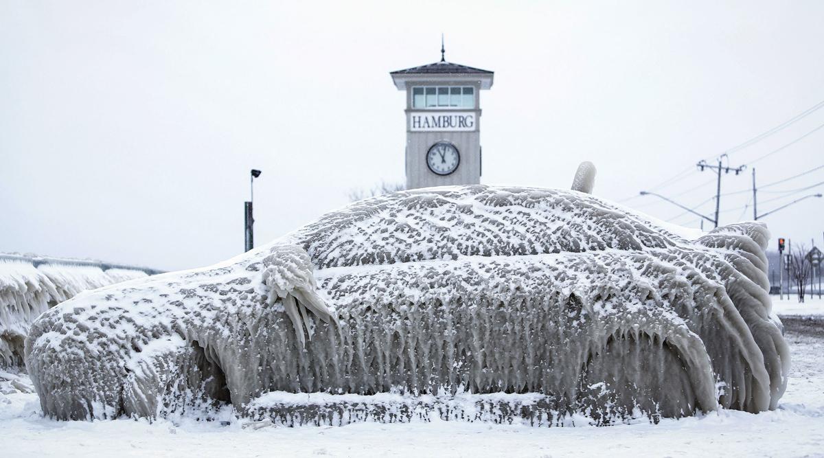 Porque você não deve estacionar o seu carro ao lado do lago Erie no inverno.