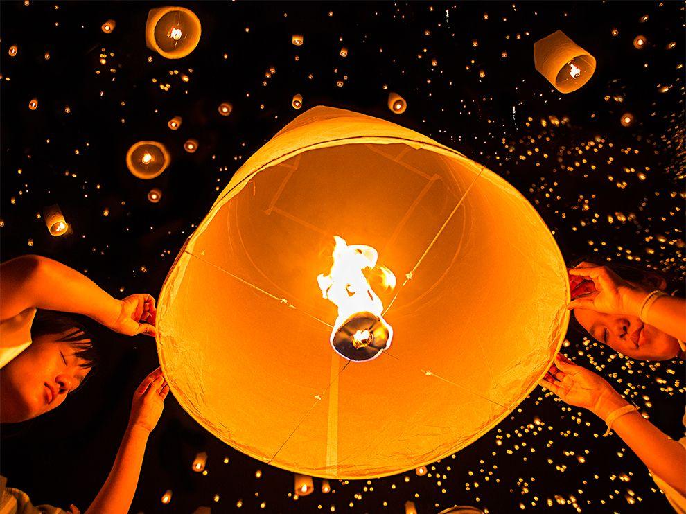 Festival de Lanternas em Chiang Mai, Tailândia. Por Sherry Zhao.