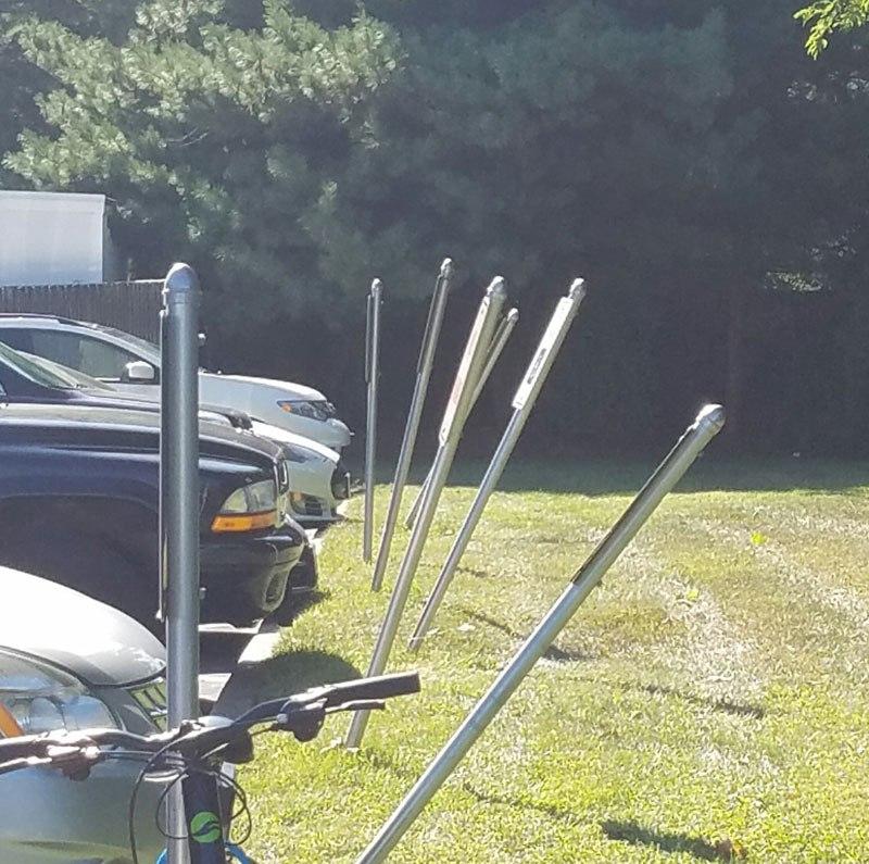 Placas de estacionamento de um Centro de Cirurgia Oftalmológica.