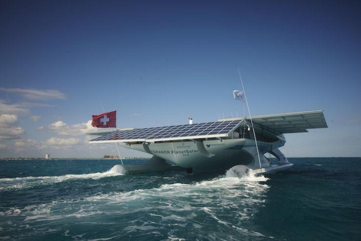 Maior barco do mundo movido a energia solar 04