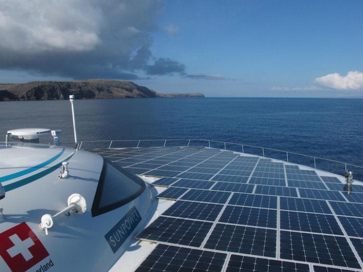 Maior barco do mundo movido a energia solar 10
