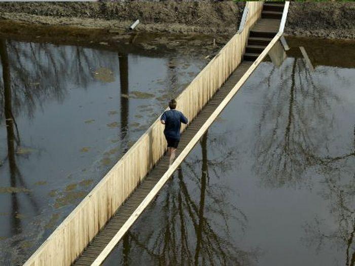 A surpreendente ponte Moisés que divide as águas 03