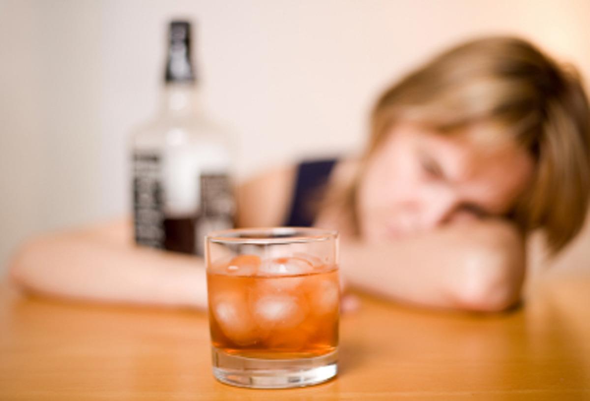 O que acontece em seu cérebro quando experimenta um blecaute alcoólico?