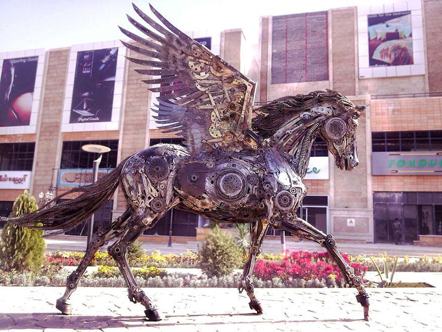 Esculturas steampunk de animais feitas com ferro velho, por Hasan Novrozi