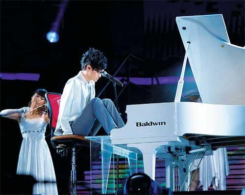 Conheça Liu Wei, o jovem abráquio que venceu o Got Talent da China tocando piano