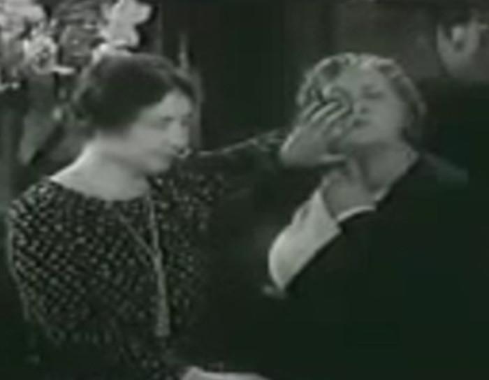 Imagens raras de Helen Keller falando em 1930