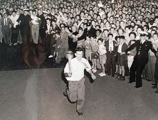 A Tocha Olímpica feita com cuecas velhas nas Olímpiadas de Melbourne, em 1956