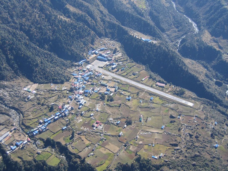 Assim é a perigosa (e épica) aterrissagem no aeroporto de Lukla, localizado no alto do Himalaia