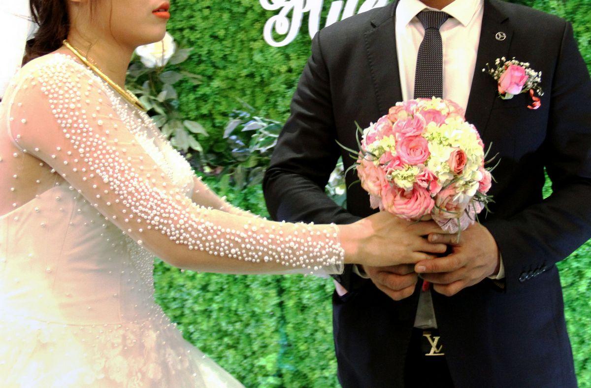 A indústria do casamento falso no Vietnã está crescendo graças ao estigma social