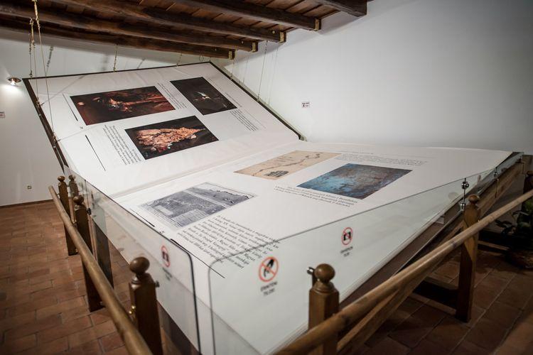 Esta pequena vila húngara abriga o maior livro artesanal do mundo