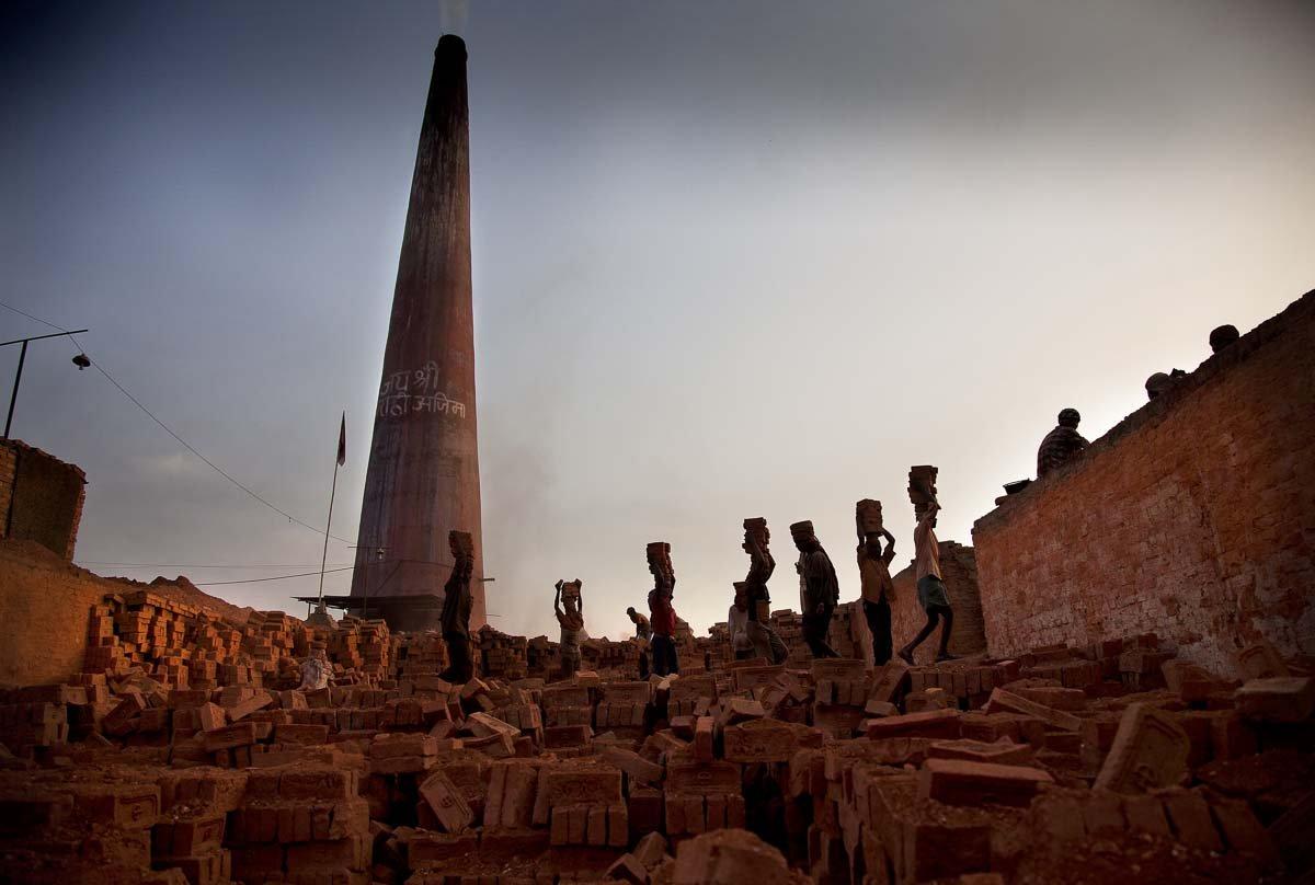 Estas fotos de partir o coração mostram como a escravidão não é uma coisa do passado 07
