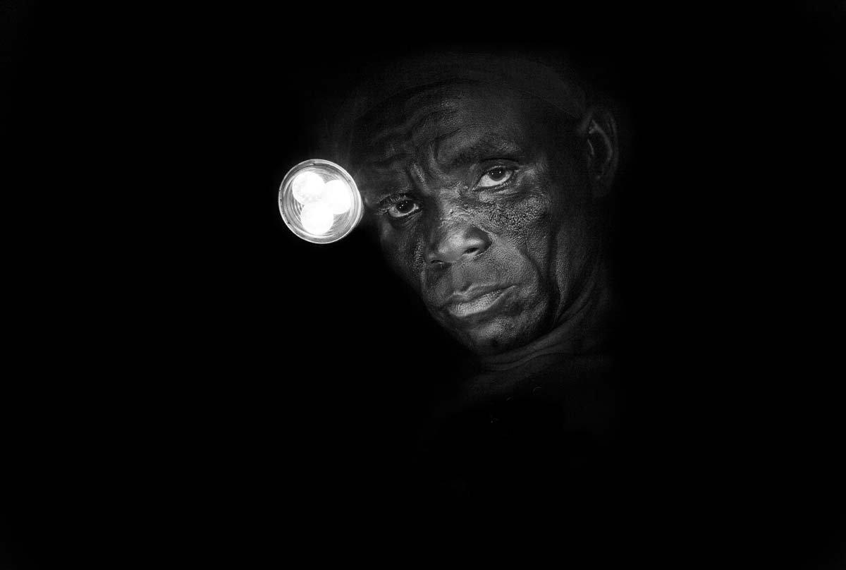 Estas fotos de partir o coração mostram como a escravidão não é uma coisa do passado 09