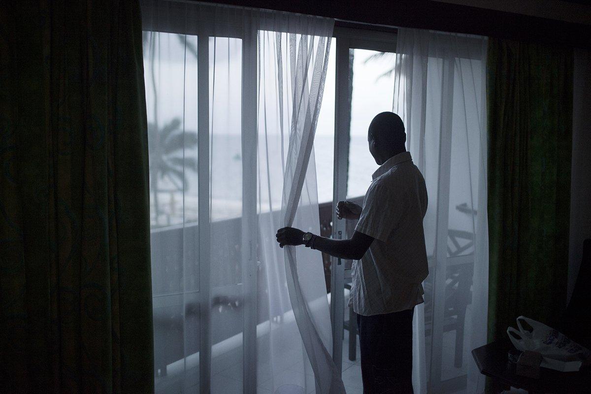 Europeias idosas ricas estão contratando amantes no Quênia 11