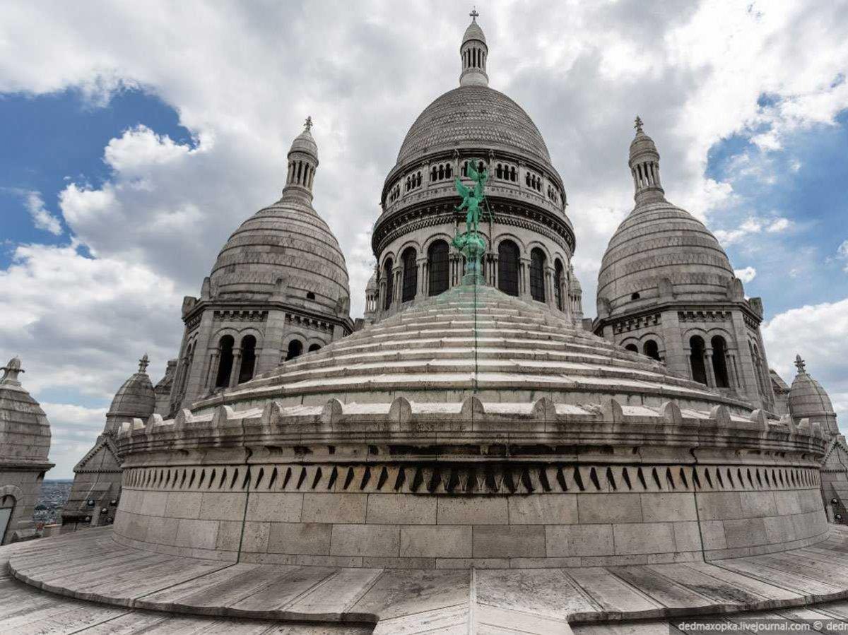 Fotografias, tomadas ilegalmente de monumentos famosos, que curam o soluço 15