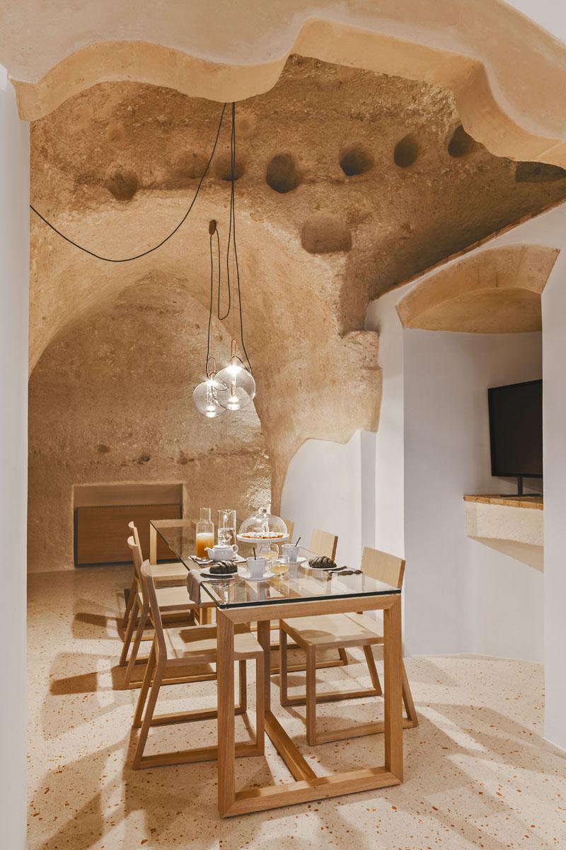 Arquitetos italianos transformam antiga caverna em um oásis moderno 07