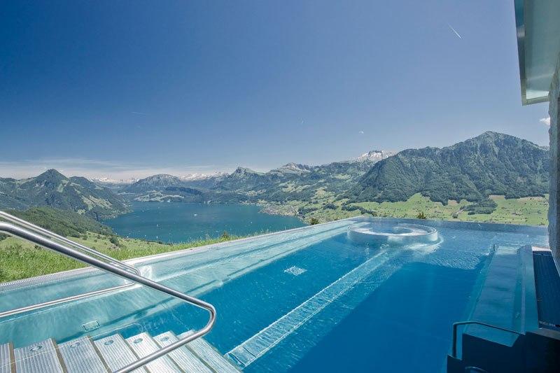 A piscina infinita nos alpes suíços onde seus sonhos dormem 02