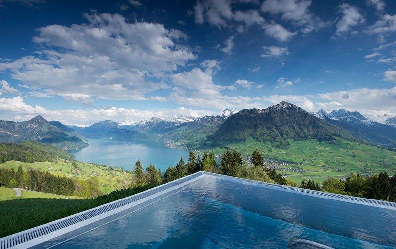 A piscina infinita nos alpes suíços onde seus sonhos dormem 03