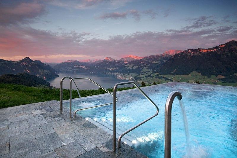 A piscina infinita nos alpes suíços onde seus sonhos dormem 04