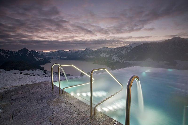 A piscina infinita nos alpes suíços onde seus sonhos dormem 06