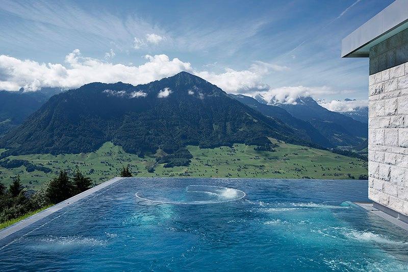 A piscina infinita nos alpes suíços onde seus sonhos dormem 07