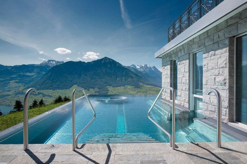 A piscina infinita nos alpes suíços onde seus sonhos dormem 09