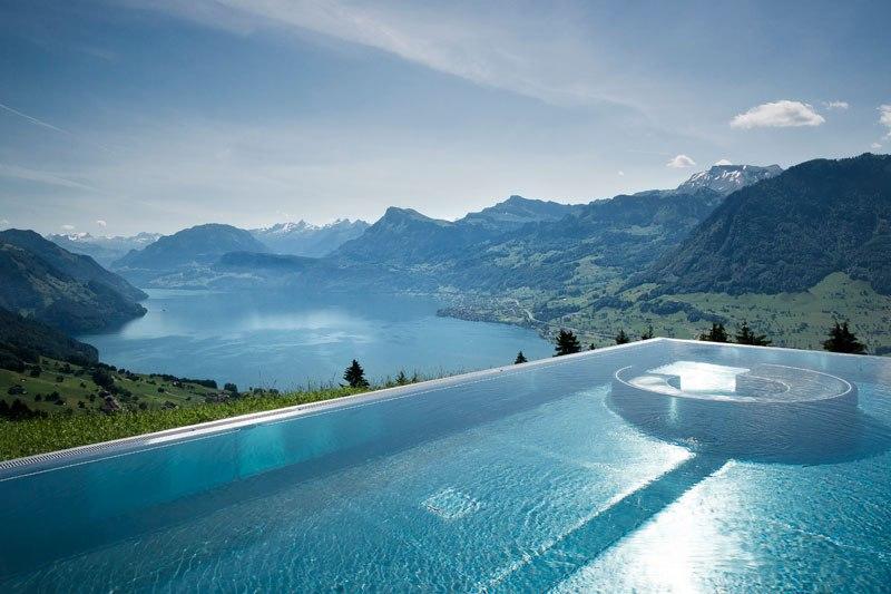 A piscina infinita nos alpes suíços onde seus sonhos dormem 11