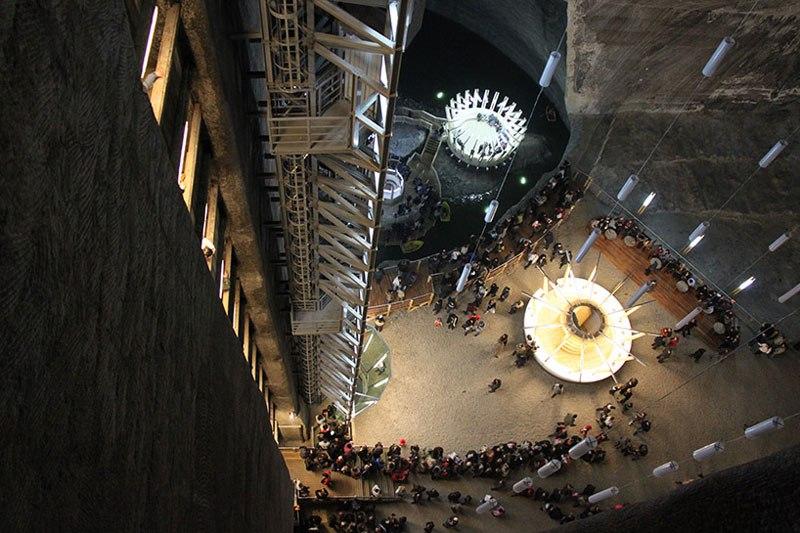 Mina de sal romena do século 17 é transformada em uma atração turística muito bacana 09