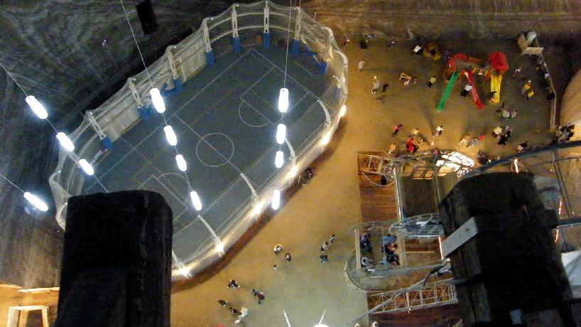 Mina de sal romena do século 17 é transformada em uma atração turística muito bacana 11
