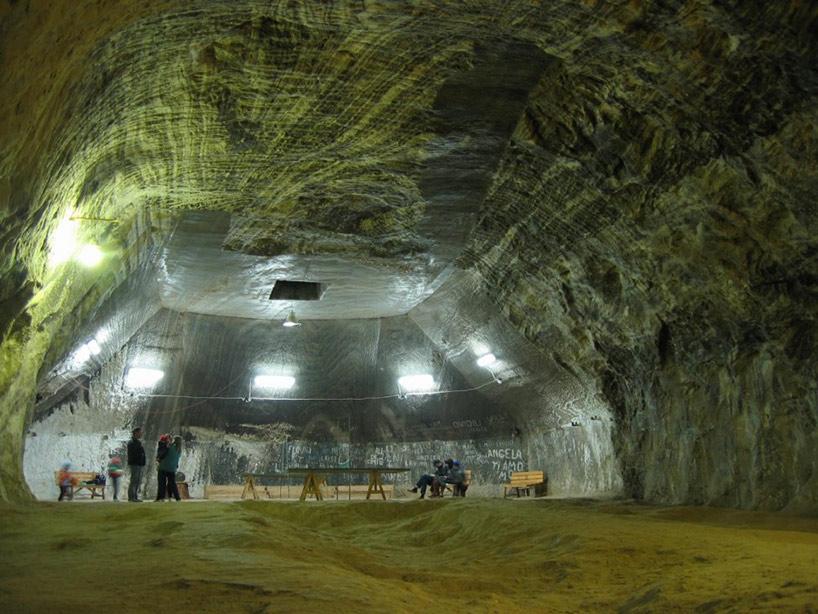 Mina de sal romena do século 17 é transformada em uma atração turística muito bacana 13