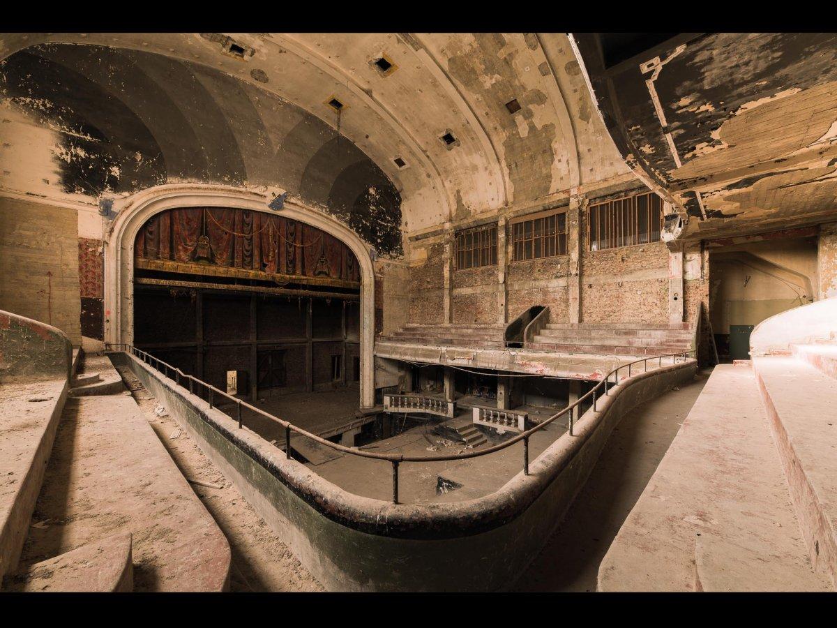 Fotógrafo capta ruínas decadentes da Europa em fotos assombrosas 05