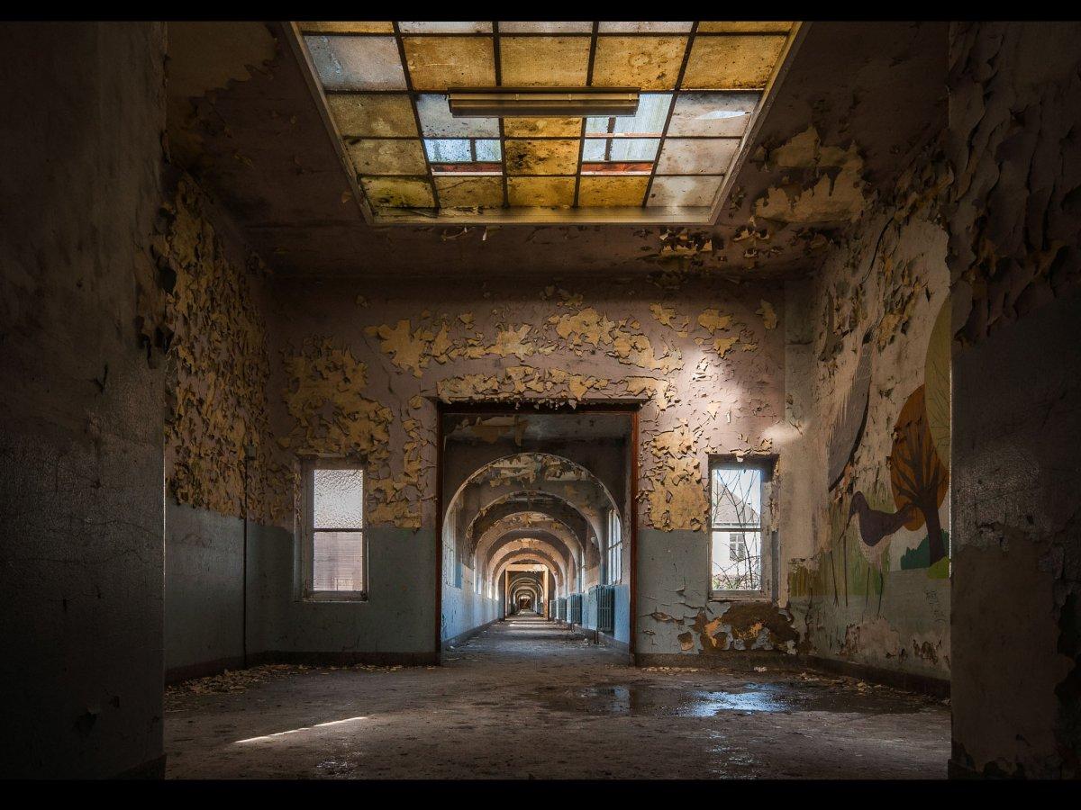 Fotógrafo capta ruínas decadentes da Europa em fotos assombrosas 11