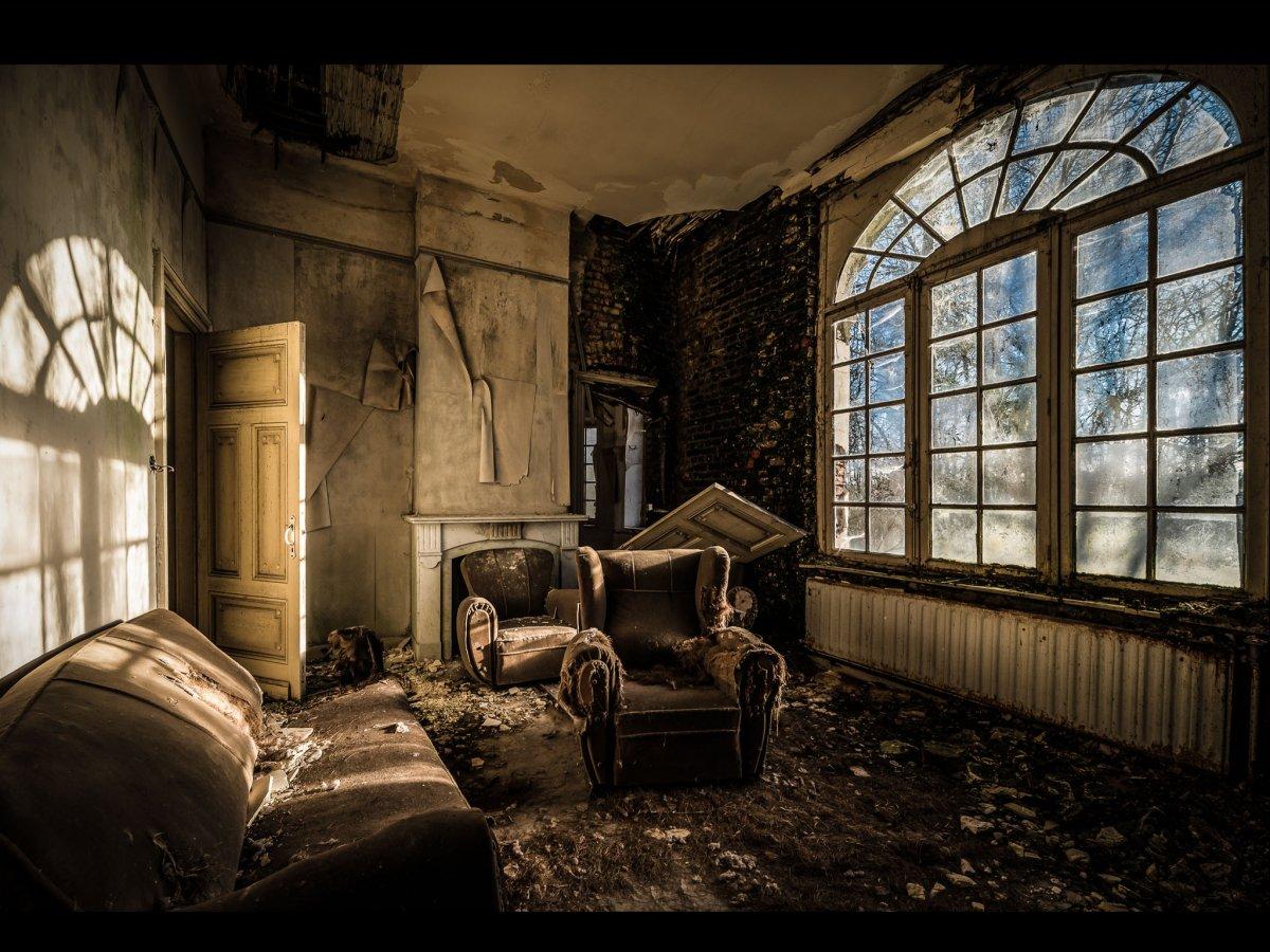 Fotógrafo capta ruínas decadentes da Europa em fotos assombrosas 12