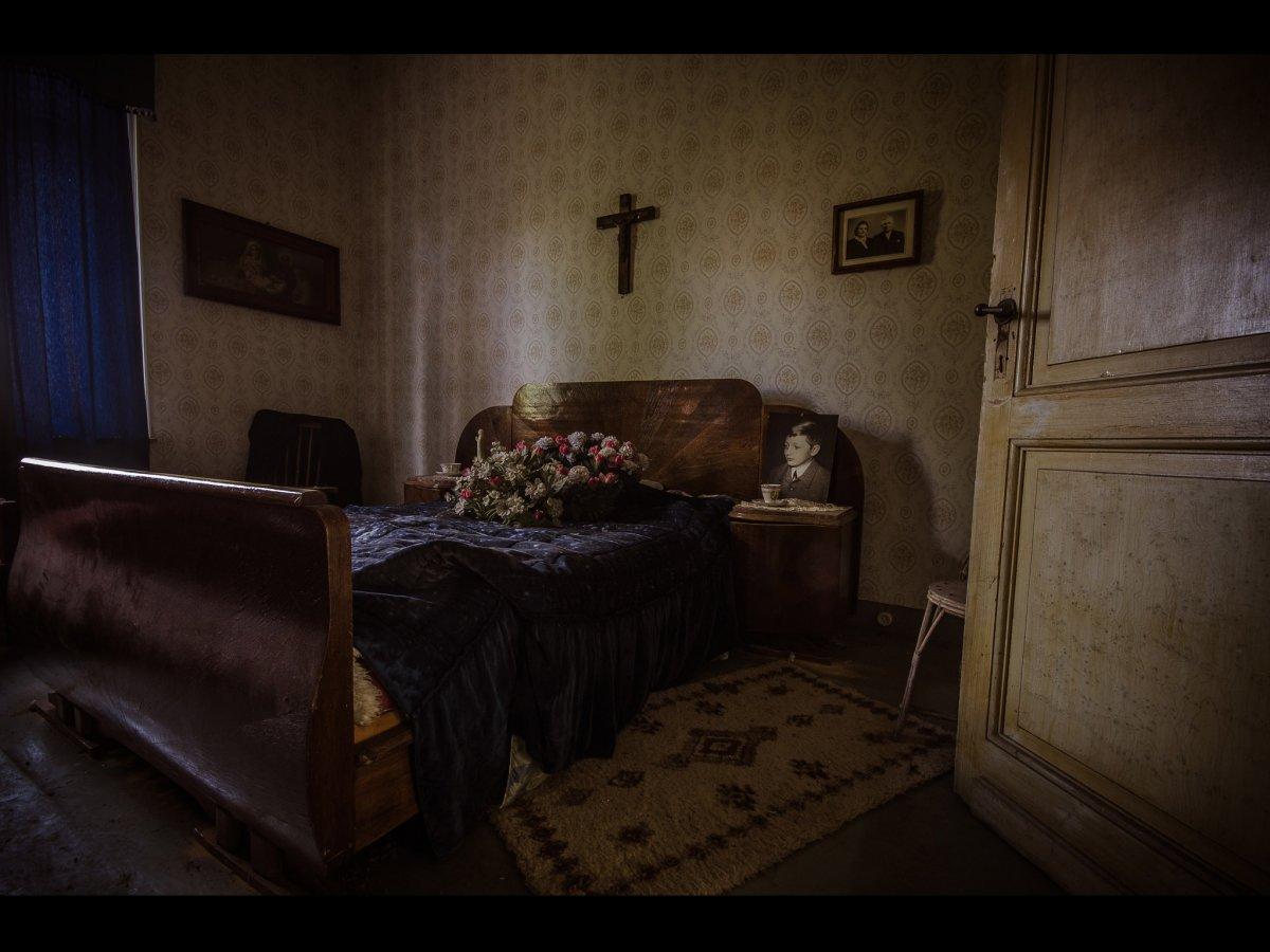 Fotógrafo capta ruínas decadentes da Europa em fotos assombrosas 16