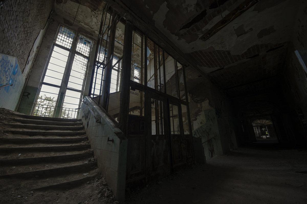 O hospital abandonado onde trataram Hitler é um dos lugares mais arrepiantes que existem 12