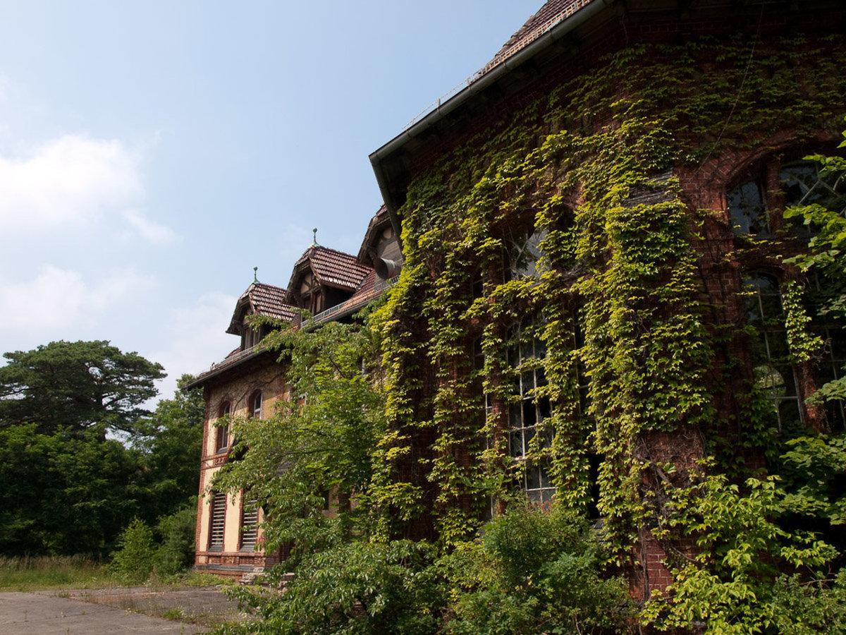 O hospital abandonado onde trataram Hitler é um dos lugares mais arrepiantes que existem 16
