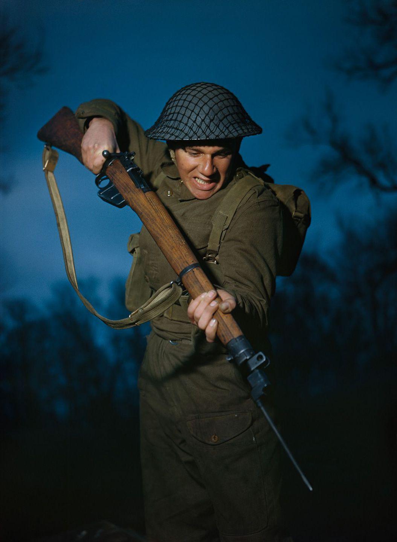 Raríssimas fotos da Segunda Guerra Mundial em cores brilhantes e imersivas 04