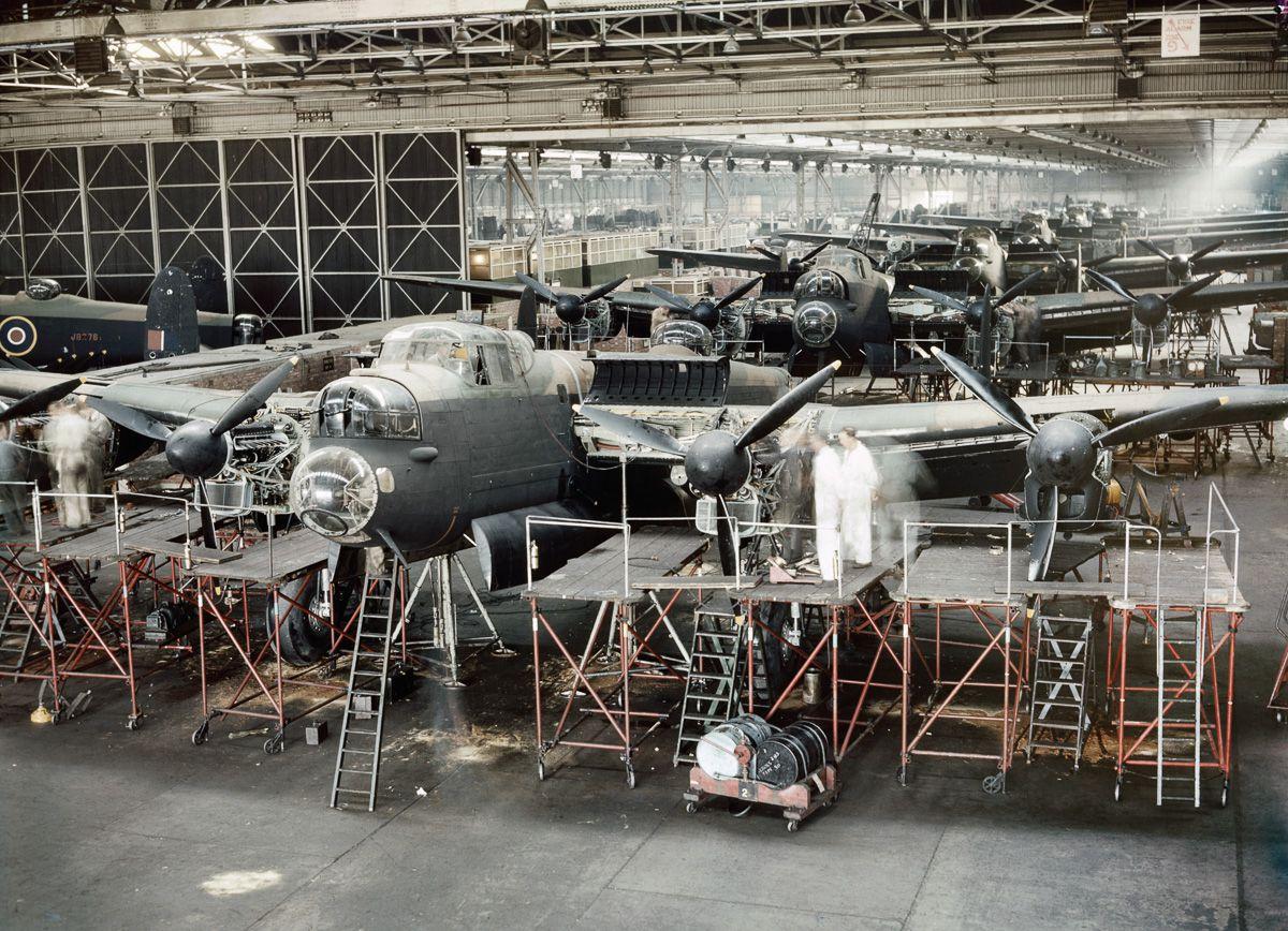 Raríssimas fotos da Segunda Guerra Mundial em cores brilhantes e imersivas 09