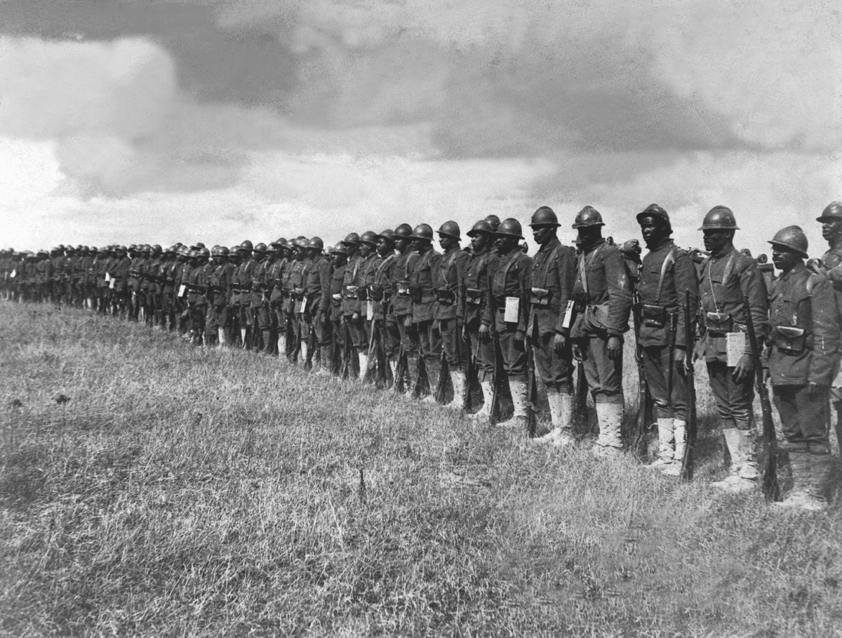 O regimento todo formado por negros na primeira guerra conhecido pela bravura apesar do preconceito 01