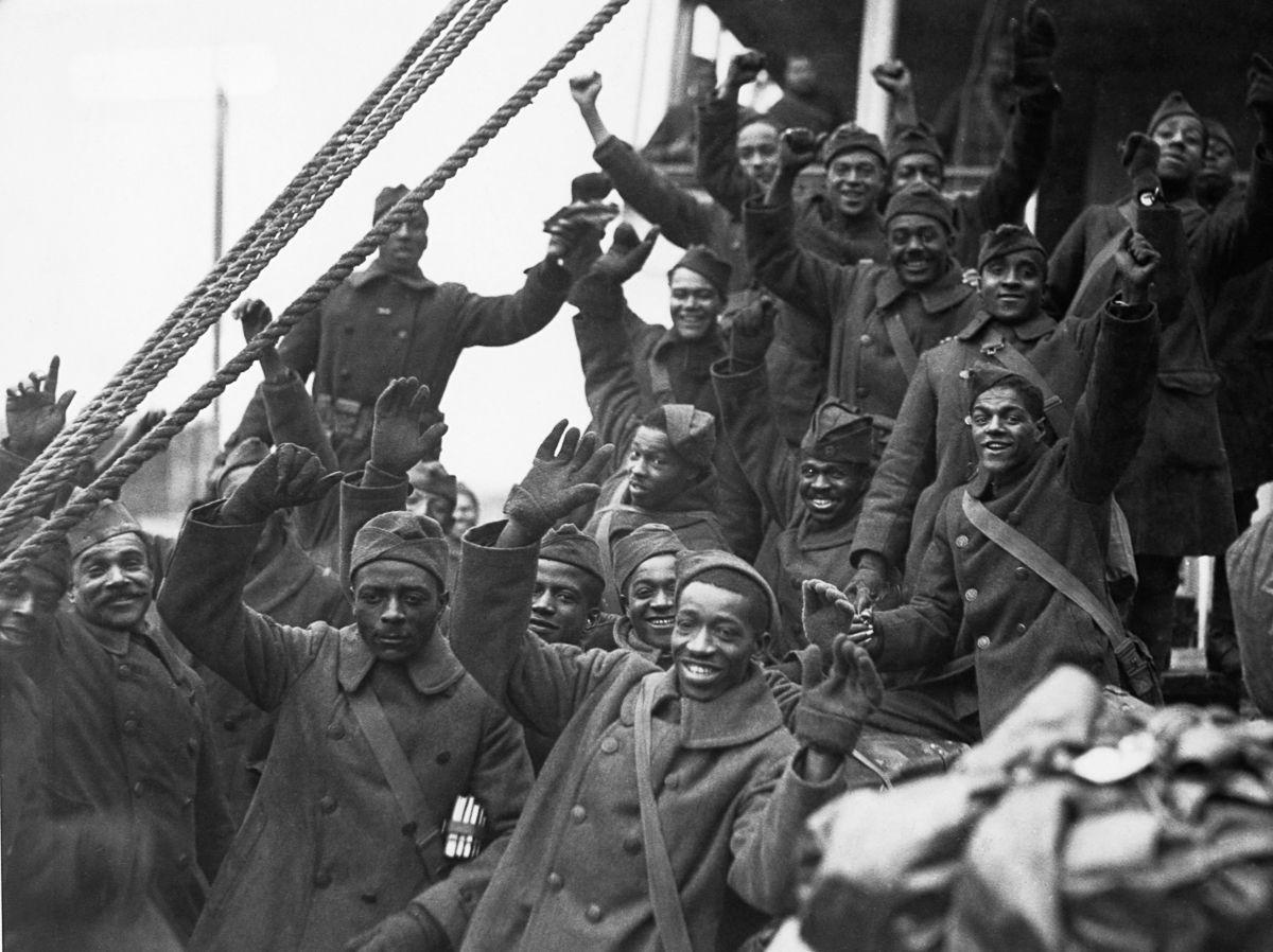 O regimento todo formado por negros na primeira guerra conhecido pela bravura apesar do preconceito 09