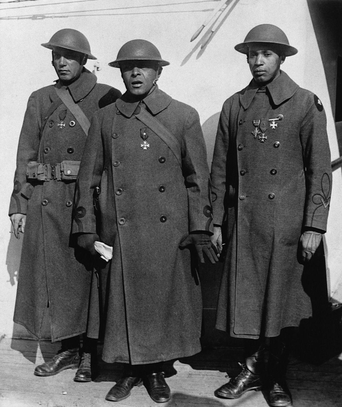 O regimento todo formado por negros na primeira guerra conhecido pela bravura apesar do preconceito 10