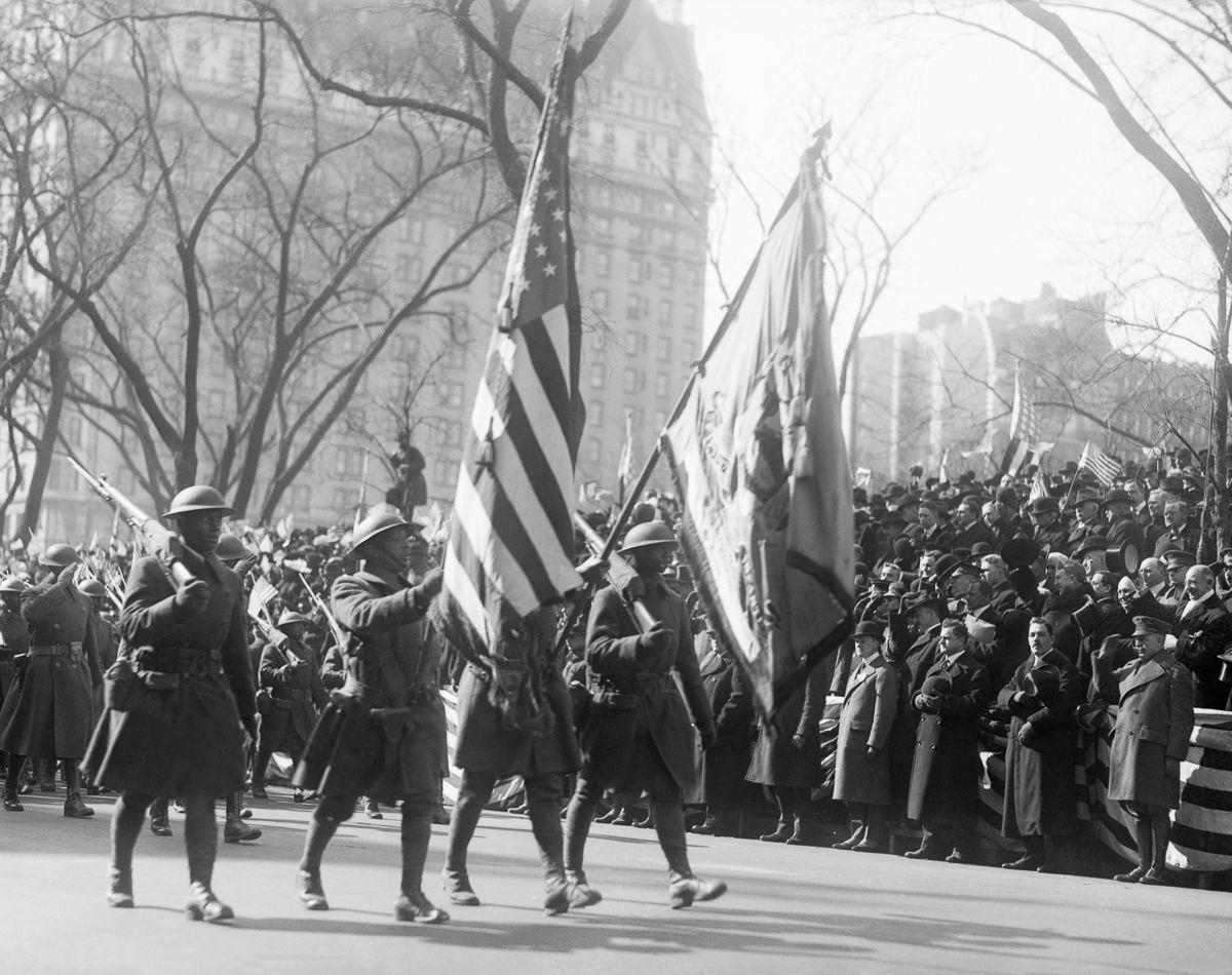 O regimento todo formado por negros na primeira guerra conhecido pela bravura apesar do preconceito 13