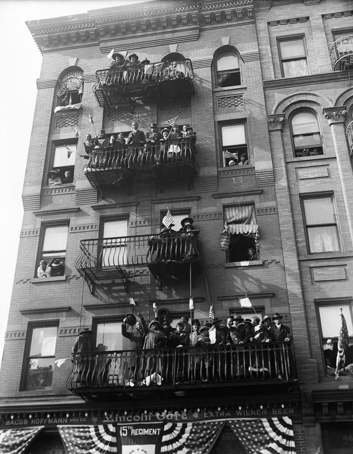 O regimento todo formado por negros na primeira guerra conhecido pela bravura apesar do preconceito 19