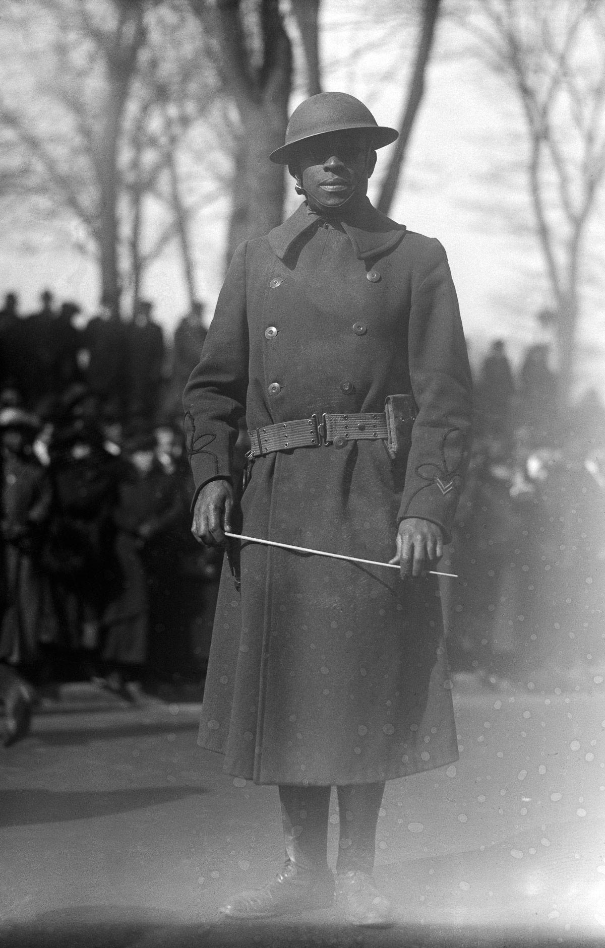 O regimento todo formado por negros na primeira guerra conhecido pela bravura apesar do preconceito 21