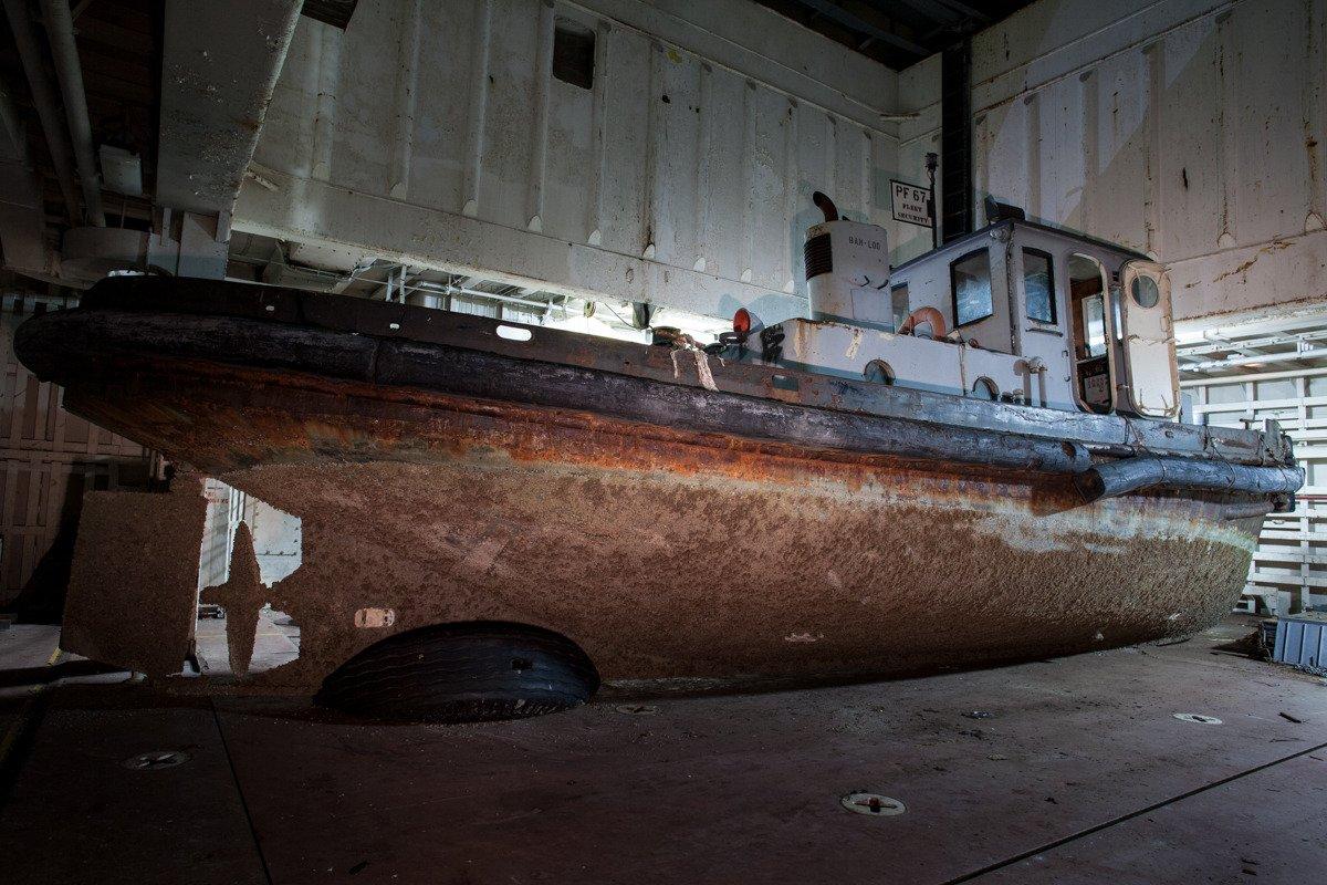 Suba a bordo de uma frota de navios militares fantasmas enferrujando na costa de San Francisco 06